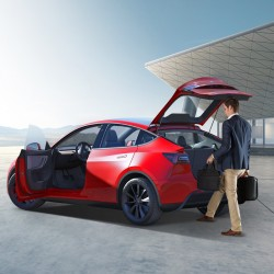 Opening with the foot sensor for rear trunk - Tesla Model Y
