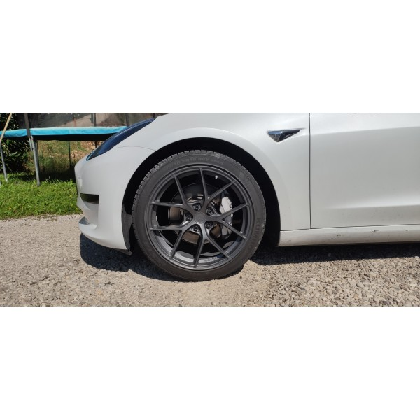 Satz mit 4 Japan Racing JR SL01-Felgen - Tesla Model 3 Tesla Model Y