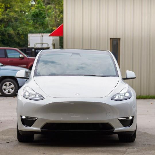 Stoßfängerabdeckung im Sportmodus für Tesla Model Y
