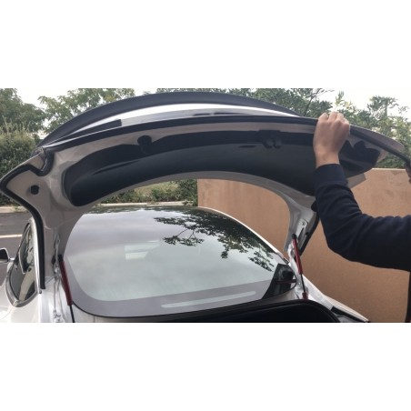 Noise reducing door seal - Tesla Model 3 (with front and rear trunk)