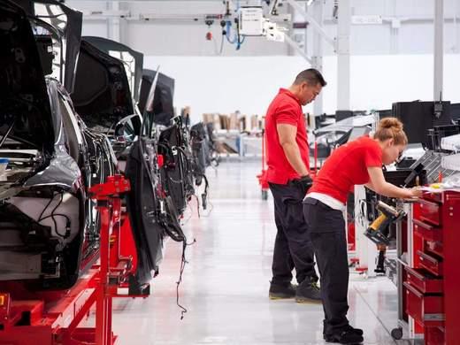 25 ingénieurs d'élites sous la directive d'Elon Musk